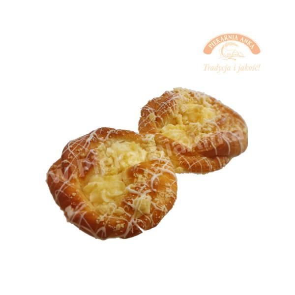 Drożdżówka szneka z serem