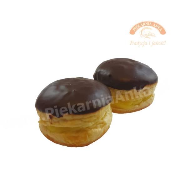 Pączek z kremem i polewą czekoladową - Piekarnia Anka